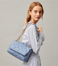 Visit Tory Burch to shop for Fleming Soft Contrast-stitch Convertible Shoulder Bag and more Women's Handbags. Find designer shoes, handbags, clothing & more of this season's latest styles from designer Tory Burch. St Vincent Grenadines, Designer Shoes, Luxury Designer, Metal Chain, Leather Shoulder Bag, Convertible, Tory Burch, Purses, Women's Handbags