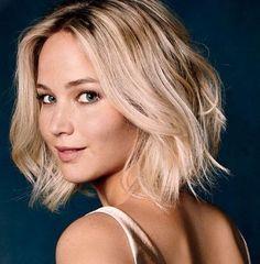 Jennifer Lawrence lovely hair in 'passengers' film.