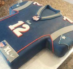 new england patriots grooms cake Fondant Cakes, Cupcake Cakes, Cupcakes, Football Desserts, Sport Cakes, Soccer Cakes, Football Birthday, Hubby Birthday, Birthday Cake