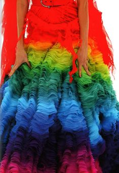 Glamour - Rainbow couture from Alexander McQueen. Taste The Rainbow, Over The Rainbow, Rainbow Light, Op Art, Alexandre Mcqueen, Tie Dye, Dress Up, Gown Dress, Rainbow Connection