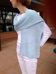 Open_space_mesh_scarf_2_small2