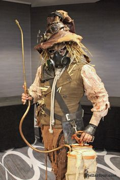 This steampunk Scarecrow lives up to his name! Super creepy, and so many great details.