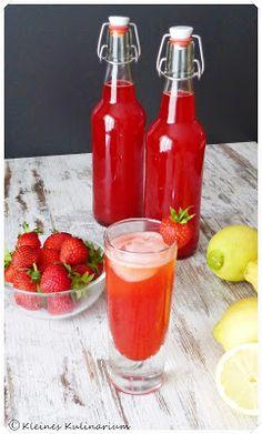 Kleines Kulinarium: Erdbeerlimes - Erdbeeren, Wodka, Zucker, Wasser und Zitronensaft - http://kleineskulinarium.blogspot.de/2015/06/erdbeerlimes.html