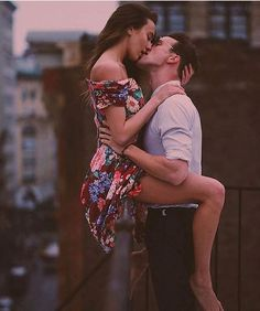 7 ways to rekindle romance in a long distance relationship . Love Couple, Couples In Love, Romantic Couples, Couple Shoot, Couple Goals, Kat Irlin, Les Experts Miami, Romeo Und Julia, Love Kiss