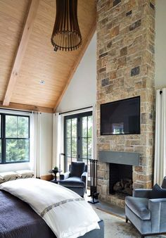 A treehouse-inspired lakeside retreat in Westchester Country