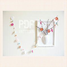 Pretty Peggy Garland PDF pattern, by Emma Lamb #crochetpattern