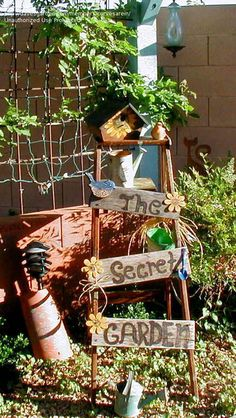 Trash to Treasure: curvesarein picture (Trash to Treasures ) Garden Ladder, Garden Junk, Love Garden, Lawn And Garden, Garden Ideas, Old Ladder, Flea Market Gardening, Outdoor Projects, Outdoor Ideas