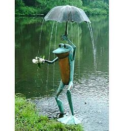 """""""Frog Fountain"""" garden sculpture - Andy Cobb"""