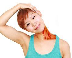 Mi a banyapúp, és hogyan kell helyrehozni (Ez nem csak a testtartásodról szól) Posture Fix, Bad Posture, Improve Posture, Kyphosis Exercises, Posture Exercises, Stretches, Neck Hump, Posture Correction Exercises, Sternocleidomastoid Muscle