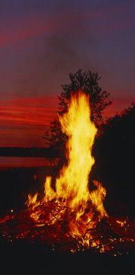 Juhannus Bonfire. photo © MEK Finnish Tourism Board