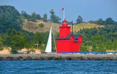 ✮ Big Red lighthouse in the Holland Harbor - Holland, MI