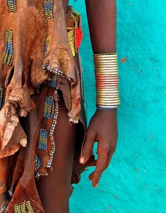 Africa | Hamar woman with copper bracelets.  |©David Schweitzer