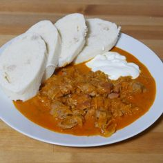 Czech Recipes, Ethnic Recipes, Goulash Recipes, Thai Red Curry, Stew, Ham, Food And Drink, Menu, Cooking