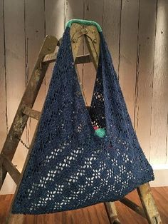 Knitting Patterns Lace Origami, the art of paper folding from Japan, is the inspiration for this practical bag: Through a … Diy Crochet And Knitting, Lace Knitting Patterns, Filet Crochet, Love Crochet, Sewing Patterns Free, Origami Bag, Knit Basket, Crochet Purses, Knitted Bags