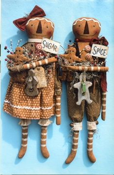 Happy Heart Patterns new patterns- looks like a gingerbread version of Raggedy Ann and Andy! Gingerbread Crafts, Christmas Gingerbread, Gingerbread Cookies, Christmas Crafts, Xmas, Christmas Ideas, Gingerbread Houses, Christmas Christmas, Primitive Christmas
