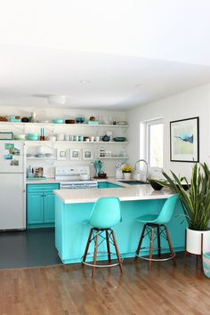 Turquoise Kitchen Cabinets and Open Shelving in Colorful Lake House Kitchen Turquoise Kitchen Cabinets, Kitchen Colors, Kitchen Design, Kitchen Decor, Diy Kitchen, Kitchen Ideas, Aqua Kitchen, Kitchen Stools, Vintage Kitchen
