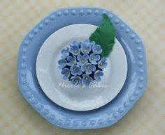 Blue hydrangea table decor idea. So lovely!