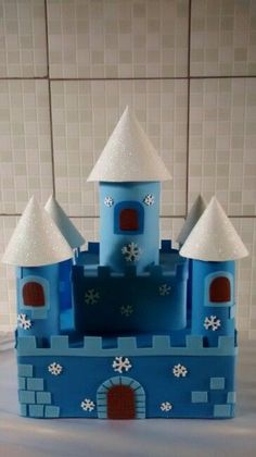 dt projects for kids ideas dt projects for kids - dt projects for kids stem activities - dt projects for kids ideas - dt projects kids Toddler Crafts, Kids Crafts, Diy And Crafts, Cardboard Castle, Cardboard Crafts, Paper Towel Roll Crafts, Castle Crafts, Kids Castle, Snail Craft