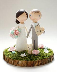 custom wedding cake topper wood slab base por lollipopworkshop
