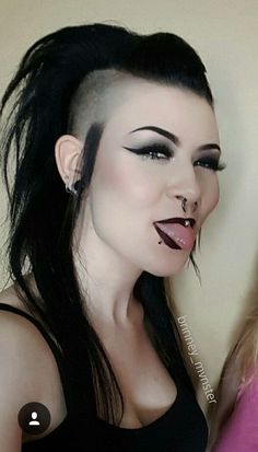 long hair shaved sides long mohawk gothic punk hairstyles Long Hair Shaved Sides, Shaved Side Hairstyles, Long Face Hairstyles, Undercut Hairstyles, Shaved Hair, Trendy Hairstyles, Haircuts, Hairstyles Pictures, Medium Hair Styles
