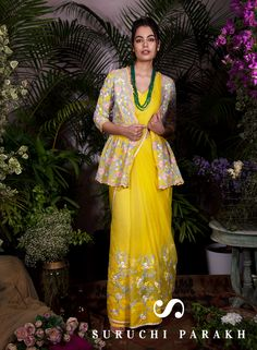 This outfit will make you shine like a sunflower with freshness and cheery vibe. The floral motif add to the free spirited mood of the outfit and make it look even more ravishing. For purchase: DM or whtsapp us on +919537165033