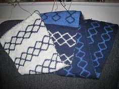 Simple Geometric Double-knit pattern pattern by Rikke Brandt