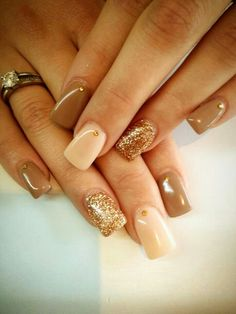 Nude nails with strass and glitter