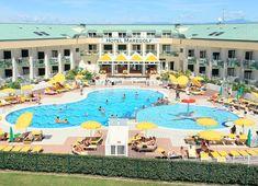 Hotel Maregolf - dovolená u moře, letovisko Caorle Lido Altanea. Krásný 4* hotel s bazénem, blízko pláže a vedle golfového hřiště, vhodný i pro rodiny s dětmi. Am Meer, Strand, Garage, Kiddie Pool, Front Desk, Venetian, Air Conditioning System, Hotel Bedrooms, Parking Space