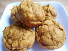 Pumpkin banana greek yogurt muffins - Drizzle Me Skinny!Drizzle Me Skinny! Weight Watchers Pumpkin, Weight Watchers Snacks, Weigh Watchers, Ww Desserts, Healthy Desserts, Healthy Recipes, Dessert Dishes, Ww Recipes, Skinny Recipes