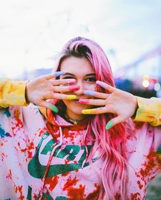 aesthetic, pink, and jessie paege image Shotting Photo, Jessie Paege, Halloween Disfraces, Queen, Color Photography, Pink Hair, Foto E Video, Dyed Hair, Youtubers