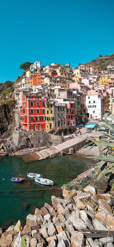 Italy Destinations, Riomaggiore, Shore Excursions, Cinque Terre, Travel Goals, Luxury Travel, Background Images, Amazing Photography, Adventure Travel