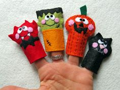 4 Halloween FINGER PUPPETS made with felt / Handmade by Lilolimon