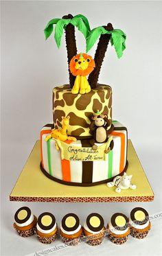 Jungle Cake with cupcakes around base layer is a thought. Jungle Birthday Cakes, Jungle Safari Cake, Safari Cakes, First Birthday Cakes, Safari Theme, Movie Theme Cake, Africa Cake, 1st Year Cake, Ballerina Cakes