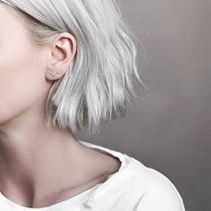 platinum white hair / bob