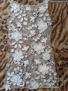 Lace Wedding Dress With Lace Detail From - Diy Crafts Irish Crochet Tutorial, Irish Crochet Patterns, Crochet Motifs, Freeform Crochet, Lace Patterns, Crochet Designs, Crochet Stitches, Crochet Flowers, Crochet Lace