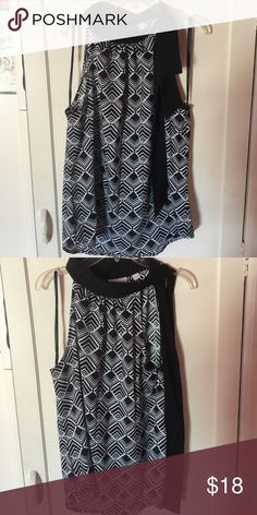 Cute summer top. The top ties around the neck on the side. Tops Blouses