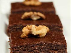 Ωμοφαγικά Brownies Greek Recipes, Raw Food Recipes, Snack Recipes, Healthy Recipes, Snacks, Healthy Meals, Vegan Cake, Vegan Desserts, Raw Food Diet
