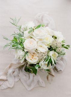 ivory garden rose bouquet | Photography: KT Merry