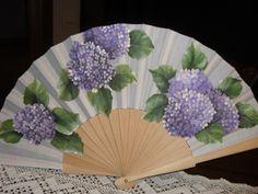 Hortensies liles Antique Fans, Vintage Fans, Hand Held Fan, Hand Fans, Painted Fan, Hand Painted, Fan Decoration, Diy Fan, Hydrangea