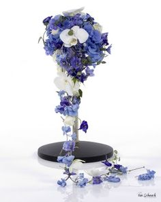 Bilderesultat for borddekorasjon bryllup blå Vase, Flowers, Wedding Ideas, Home Decor, Decoration Home, Room Decor, Vases, Royal Icing Flowers, Home Interior Design