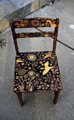 Repurposed Previous Furnishings Thanks To Diy Portray Tasks Repurposed Old Furniture Thanks To Diy Painting Projects Hand Painted Furniture, Funky Furniture, Furniture Projects, Furniture Makeover, Furniture Design, Furniture Stores, Diy Projects, Rustic Furniture, Hand Painted Chairs