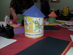 Carousel craft with can