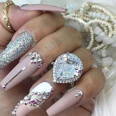 Nail art Christmas - the festive spirit on the nails. Over 70 creative ideas and tutorials - My Nails Love Nails, Fun Nails, Smart Nails, Spring Nail Trends, Nagellack Trends, Diamond Nails, Diamond Glitter, Best Nail Art Designs, Rhinestone Nails