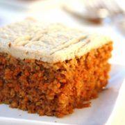 Receita de Bolo de Cenoura Americano, sem glúen, sem lactose e com muitos benefícios para sua saúde!