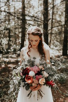 This beautiful bride had her wedding at her childhood home in Portland | Image by Dawn Charles