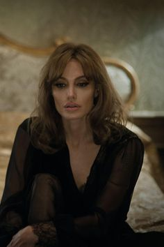 Tagli #capelli medi: ispirati a quello di #AngelinaJolie in By the sea - #hairstyles