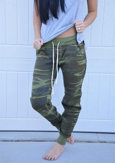 Coutgo Casual Super Comfy stretch drawstring skinny pants cargo jogger pants (XXL, Camouflage): Inported Size Avaliable Cotton & Spandex with Stretchy Fabric Please Check the Size Chart to Ensure Pants Fits Camo Pants Outfit, Jogger Pants Outfit, Women's Pants, Casual Mom Style, Pants For Women, Clothes For Women, Fleece Pants, Casual Fall Outfits, Trendy Outfits