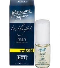 Parfum cu concentratie mare de feromoni, pentru barbati, cu aroma puternica si miros irezistibil in fata femeilor. Trezestei dorinta sexuala si cheful de nebunii. Cantiate: 10 ml. Produs fabricat in Marea Britanie, sub licenta HOT.