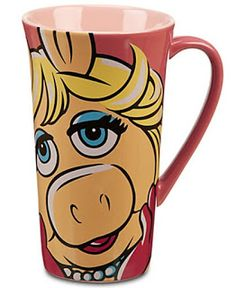 The Muppets Most Wanted Coffee Mugs - Love the pink Miss Piggy mug,can buy it at the Disney store! Disney Coffee Mugs, Disney Mugs, Disney Gift, Walt Disney, Miss Piggy Muppets, Muppets Disney, Wanted Movie, Muppets Most Wanted, The Originals Show