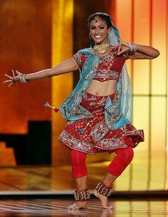 Miss America 2014 Nina Davuluri doing a Bollywood dance